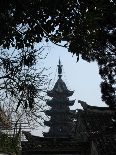 香火非常鼎盛的灵岩山寺